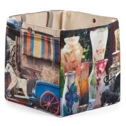 Box Cafetières, vases, cheval et charrette