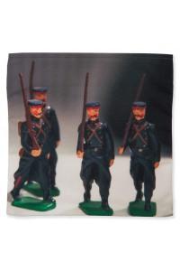 Catch-all-Flea-market-Bric-a-brac-Maron-Bouillie-toy-soldiers-1