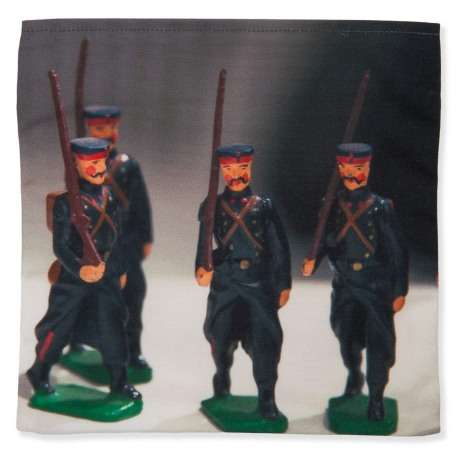 Catch-all-Flea-market-Bric-a-brac-Maron-Bouillie-toy-soldiers-1