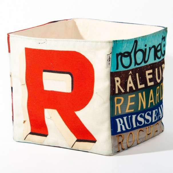 Alphabet fabric Box letter R